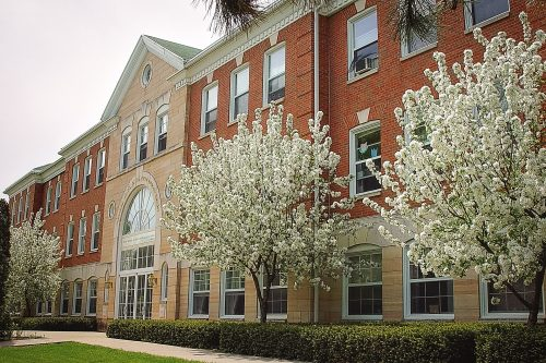 Maharishi School Hobson Hall front